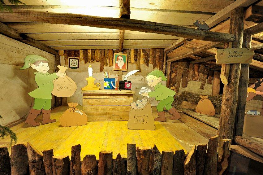 Il villaggio di babbo natale a oltre il colle 27 l ufficio for L ufficio postale di babbo natale