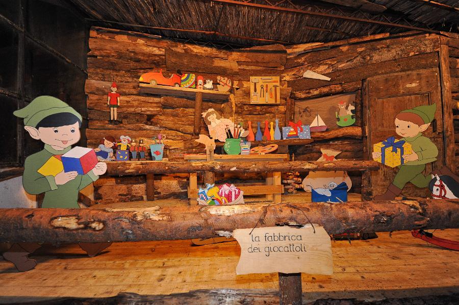 fabbrica di giocattoli di babbo natale